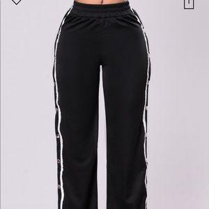 Fashion nova sweat pants size medium
